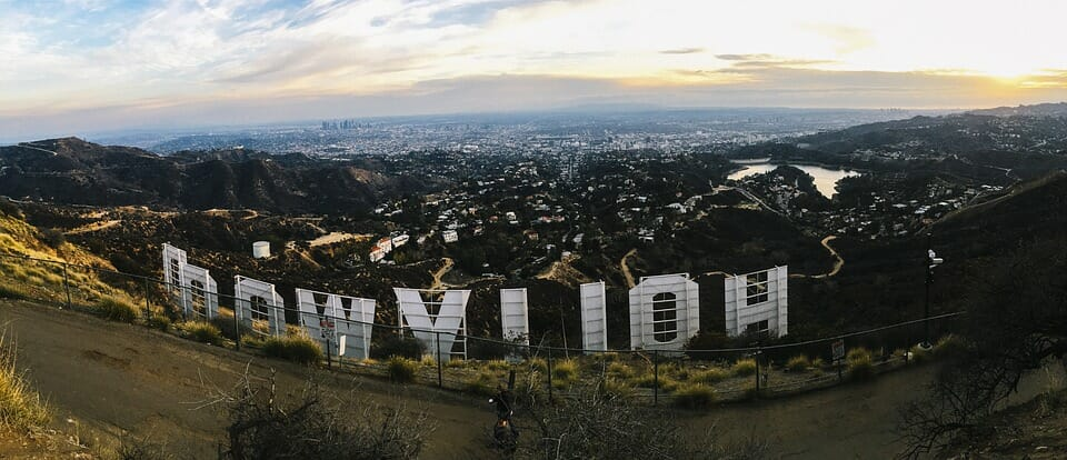 Hollywood sign from behind - Translation Royale