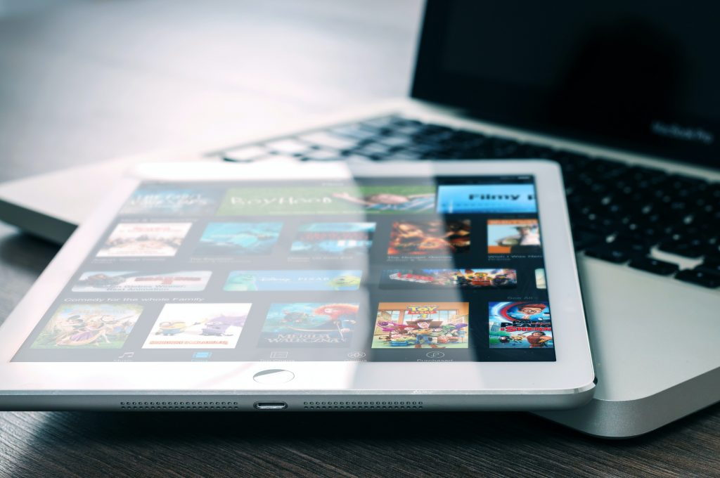 Multi-devices - 7 Things That Are Hurting Your Website Traffic - Translation Royale
