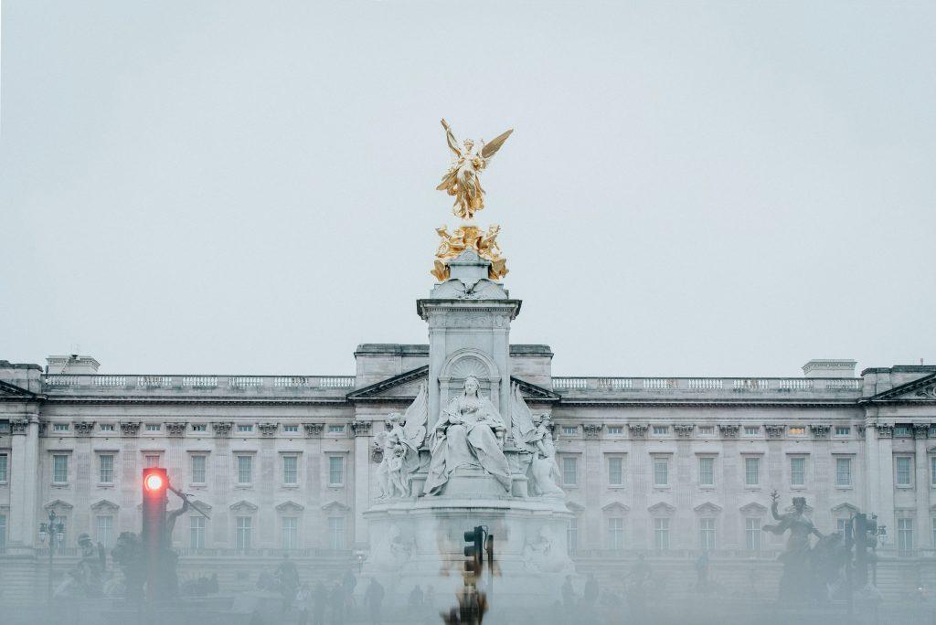 Buckingham Palace - Novelty Betting - Translation Royale