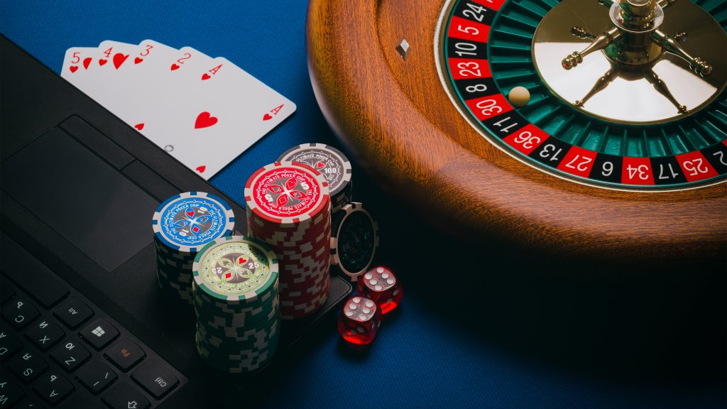 Online Gambling - The impact of COVID-19 on the online gambling and sports betting industry - Translation Royale